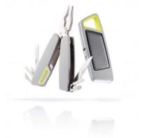 Zestaw narzędzi-  narzędzie wielofunkcyjne i latarka