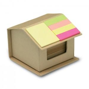 Kartonowe pudełko w kształcie domu