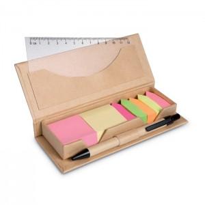 Kartonowe pudełko z linijką i długopisem