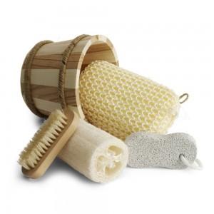 Zestaw łazienkowy w stylowym drewnianym wiaderku,